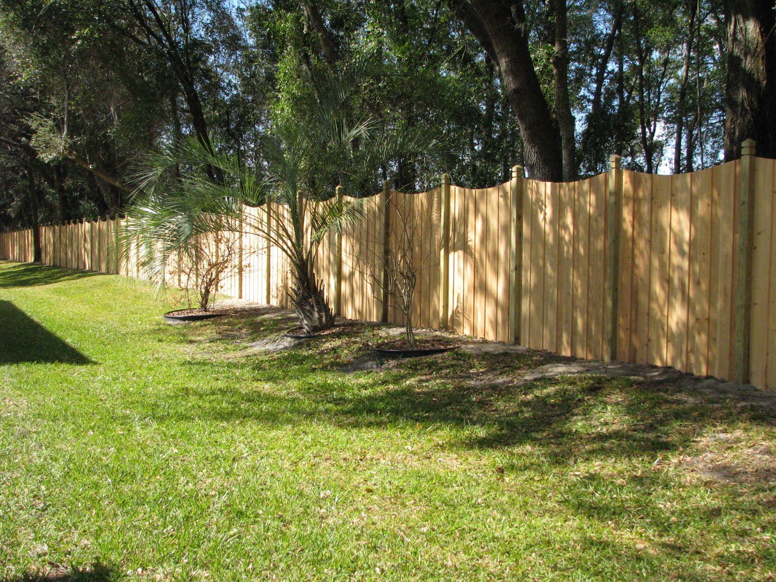Saddle cut wood privacy fence design mossy oak fence company saddle cut wood privacy fence design mossy oak fence company orlando melbourne baanklon Choice Image
