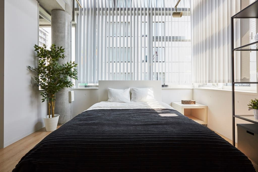 The design icon cool tokyo flat apartments for rent in minato ku  ky to japan also rh pinterest