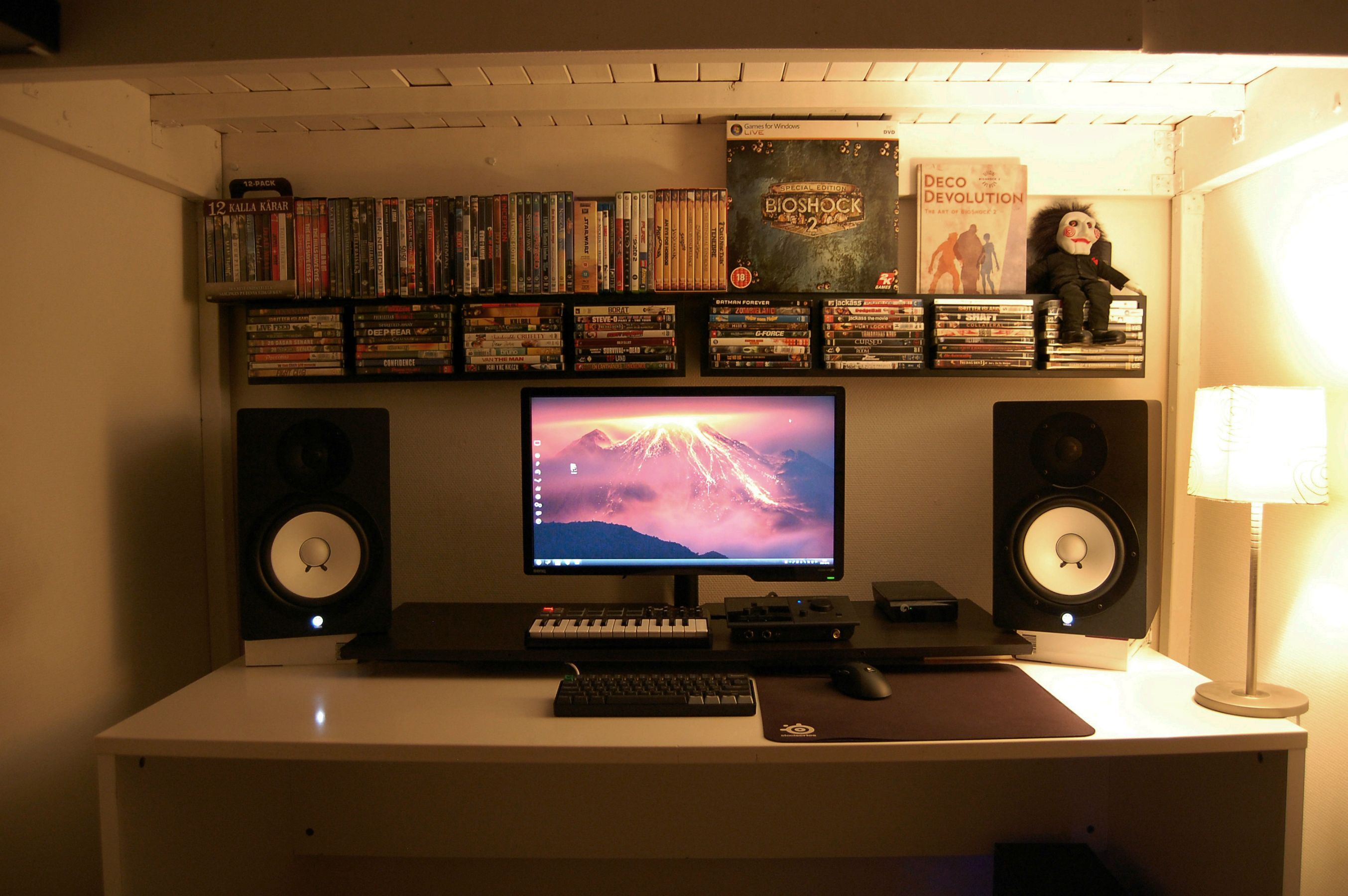 Battle Station Gaming Office House Pinterest Buero Small Room Black And White Battlestation Battle Stations