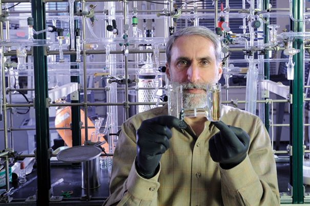 Clean energy pioneer brings lab to Harvard | Phys org