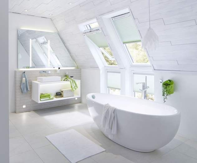 freistehende badewanne unter der dachschr ge badezimmer ideen f r die badgestaltung. Black Bedroom Furniture Sets. Home Design Ideas