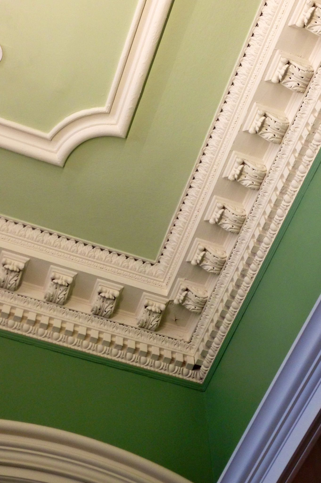 Crown Molding With Ombre Paint