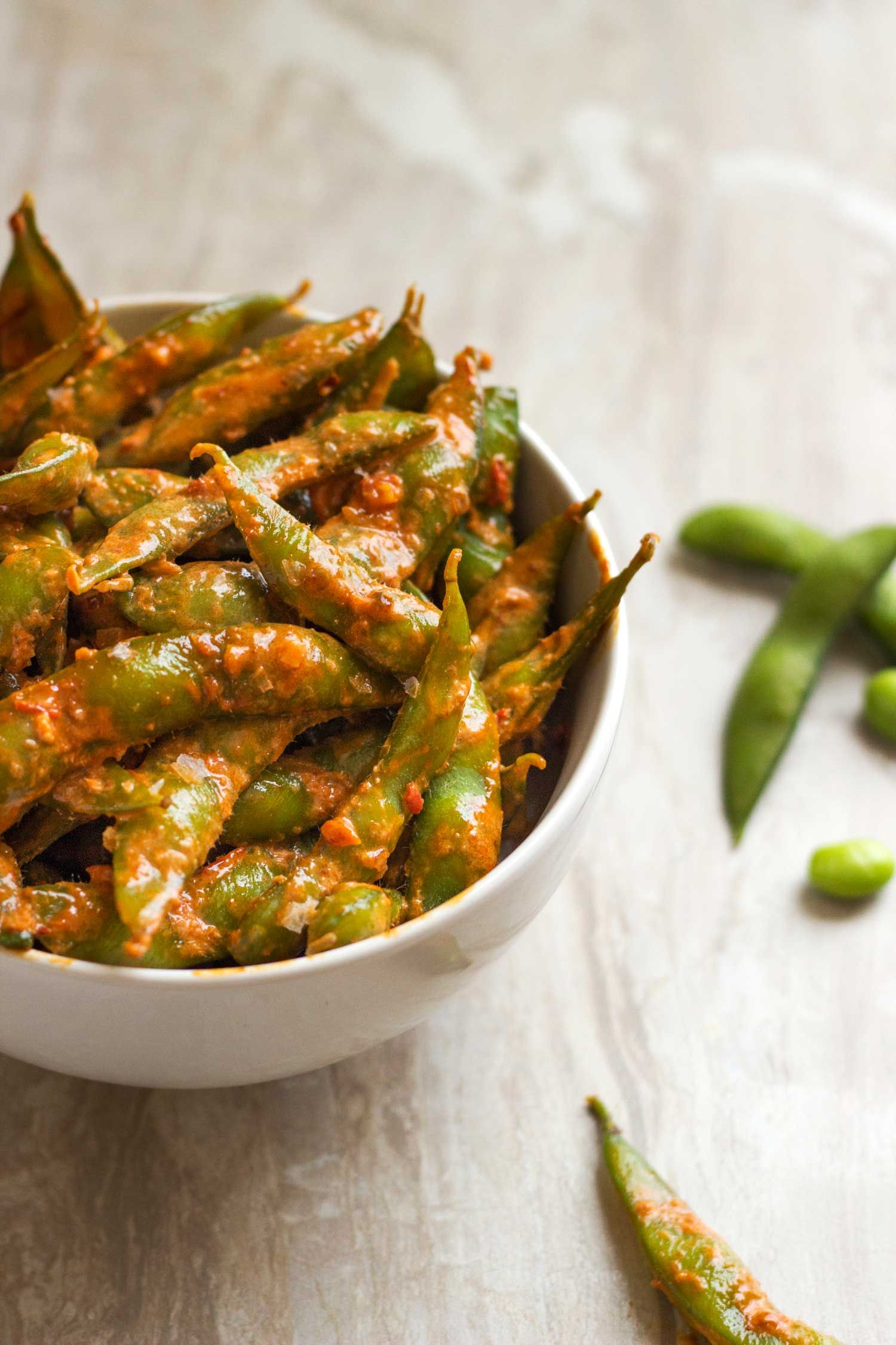 Garlic And Chili Spicy Edamame Www Keviniscooking Com With