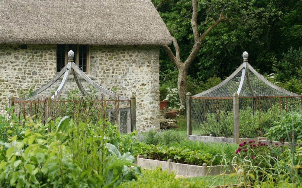 Heuvelachtig Tuin Ontwerp : Sfeervolle tuin in vaassen inrichting huis