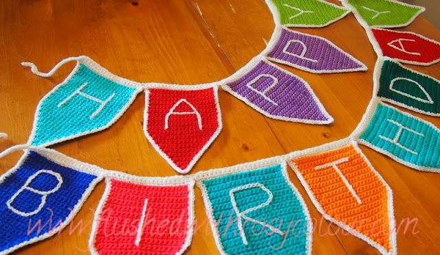 : Bunting Flags, free pattern
