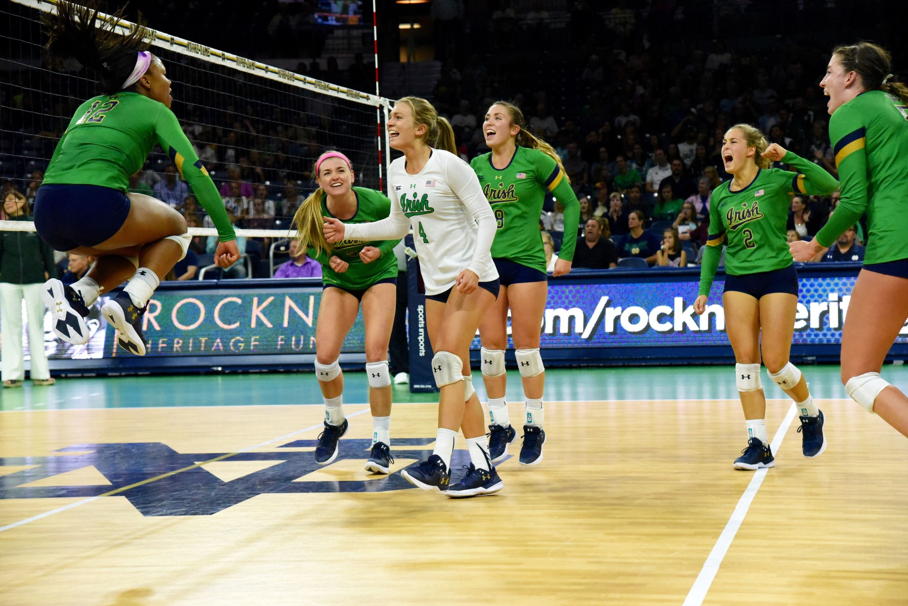 Five Favorite Photos Of 2017 Volleyball In 2020 Volleyball Michigan State Volleyball Photo
