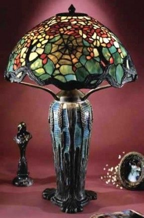 Cobweb shade on wheat mosaic base reproduction table lamp by dale tiffany