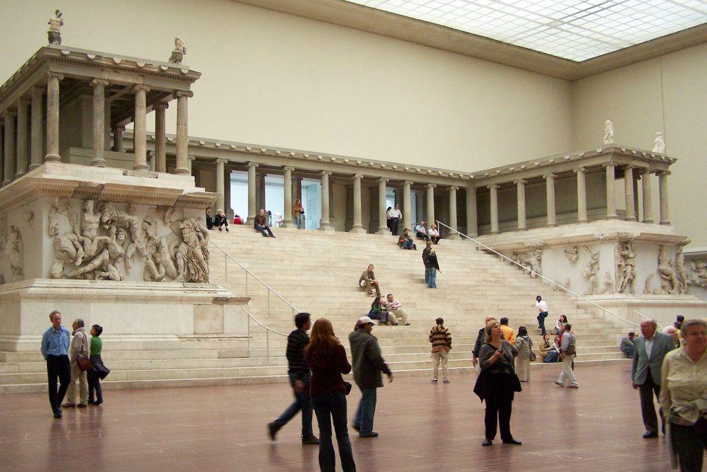 Pergamon Museum Renovation 216 Million Over Budget Artnet News Pergamon Museum Pergamon Museum Berlin Pergamon
