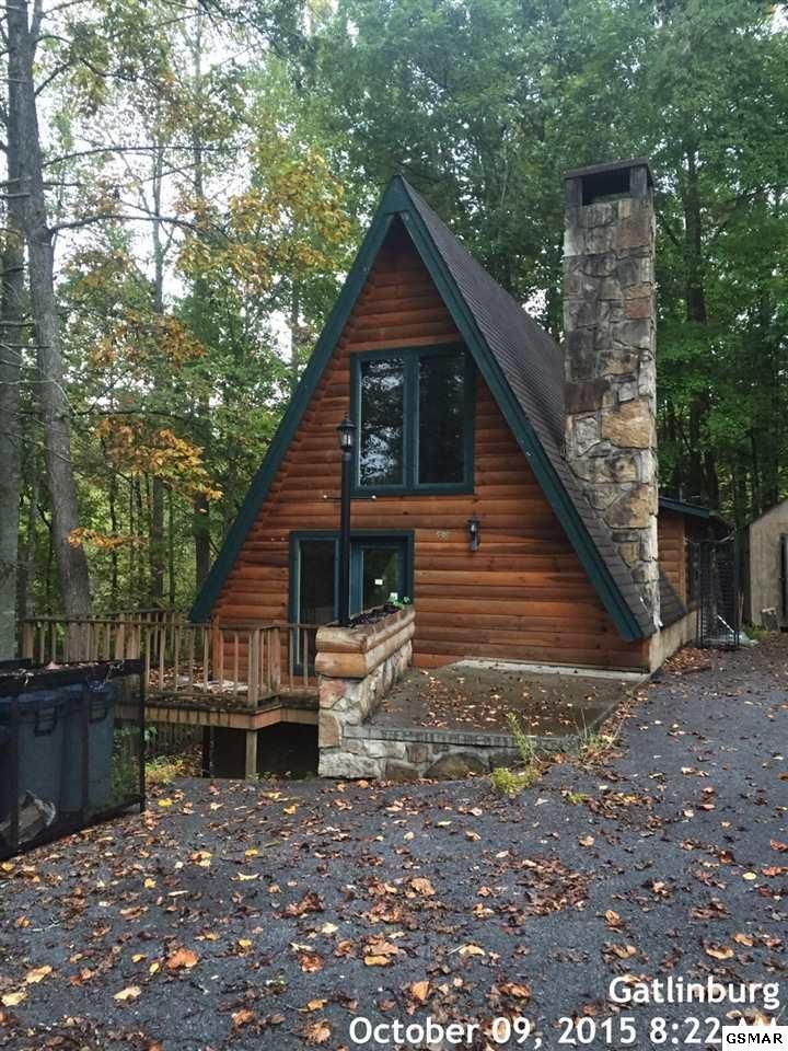 Cabins For Sale In Gatlinburg Tn By Owner : cabins, gatlinburg, owner, Ownby, Circle,, Gatlinburg, 37738, Homes.com, House, Woods,, Cabins, Cottages,, Cabin, Homes