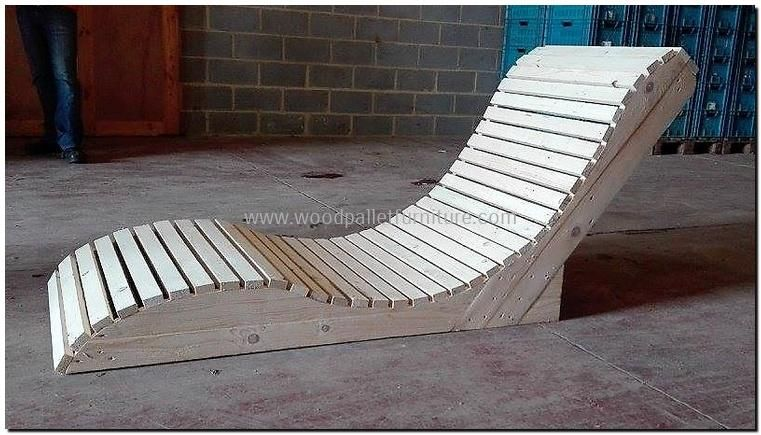 Stylish Pallet Sun Lounger Pallet Furniture Outdoor Wood Pallet Recycling Wood Pallet Furniture