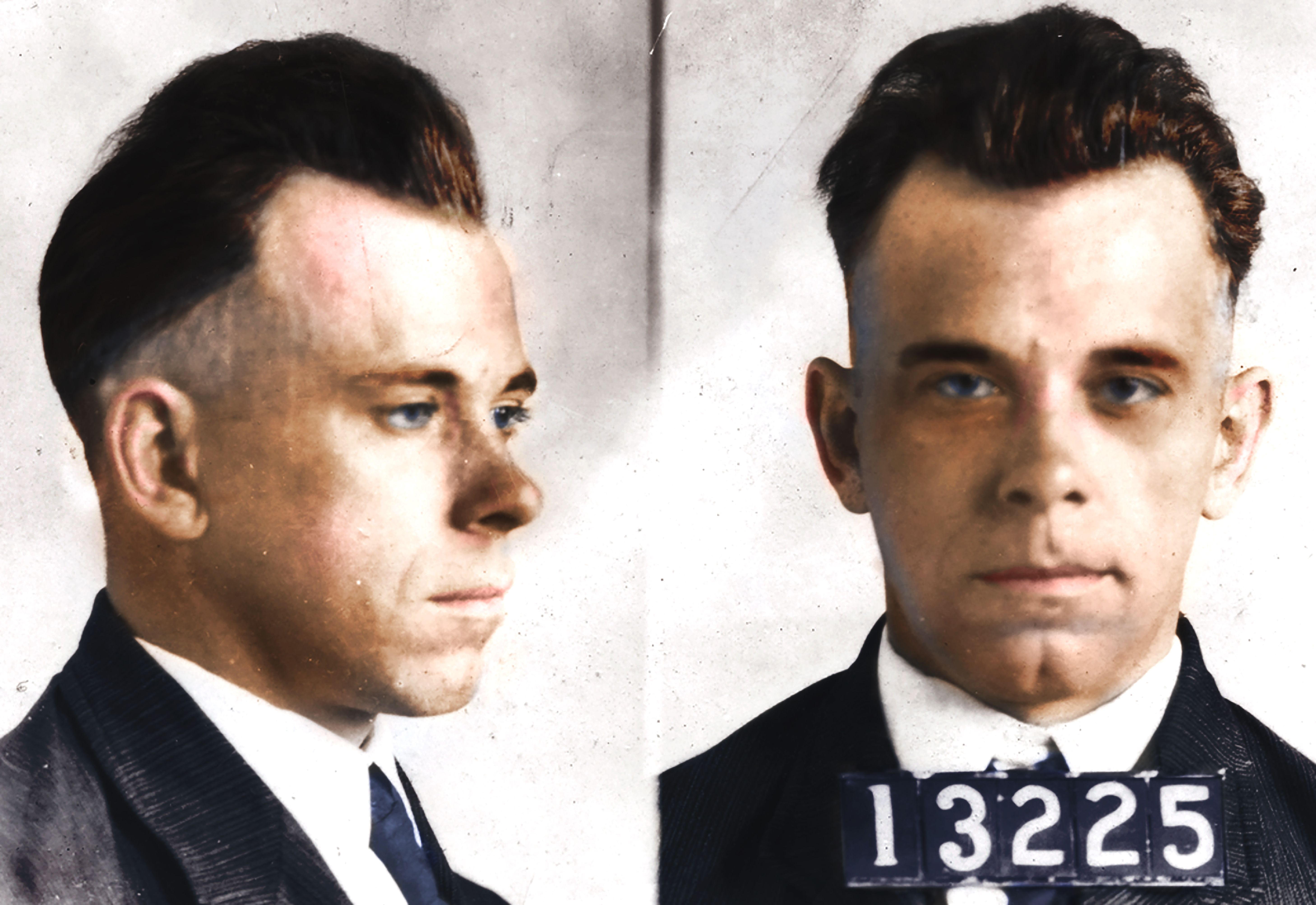 Ingenious Great Bank Robber John Dillinger In Chicago Other Historical Memorabilia Hunted In Midwest 1934 Newspaper Crazy Price Mobs, Gangsters & Criminals