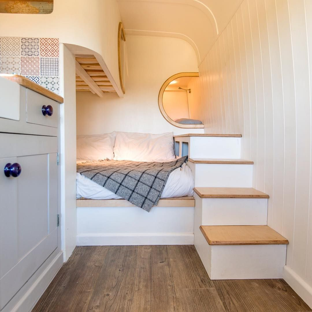 Ein gewöhnlicher Van wird zum mobilen Zuhause auf Rädern | Camping ...