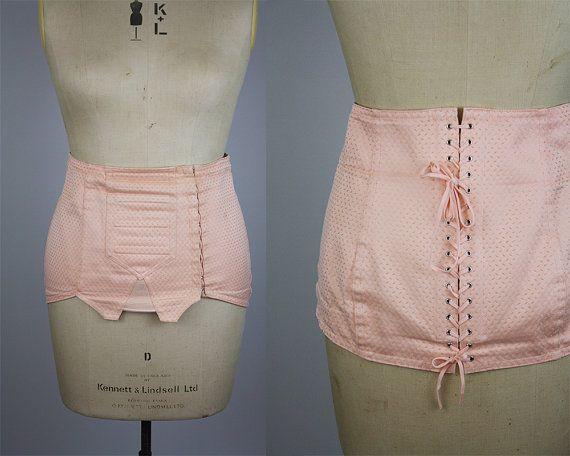 Vintage 1940s Style Corset / Vintage 1980s Corset / Vintage Waist Cincher / Wasp Waist Corset / Pale Pink Corset / Size Large / L - XL