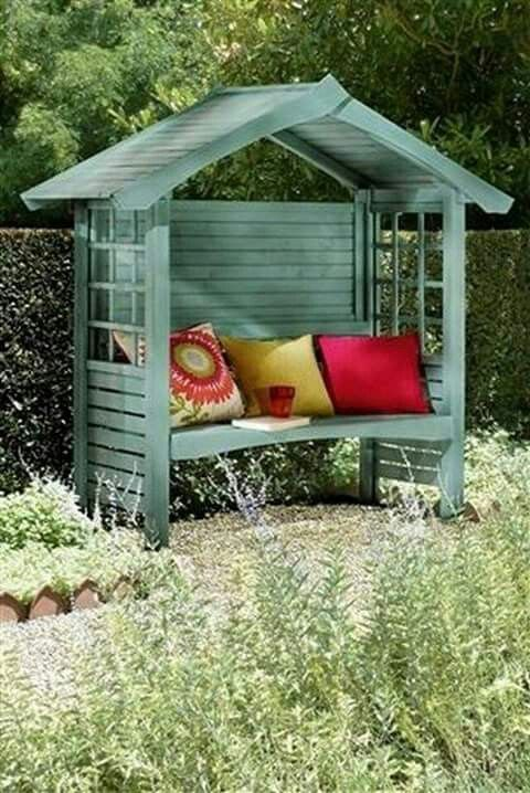 good little hideout for reading or afternoon apertif garden ideas pinterest. Black Bedroom Furniture Sets. Home Design Ideas