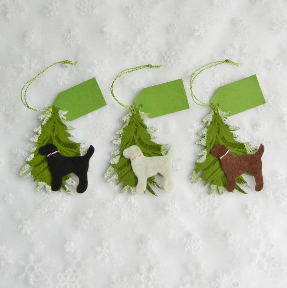 A Labs Christmas Tree is more than a special package topper -- its also a keepsake ornament! This lightly flocked, slightly stiffened felt Christmas tree