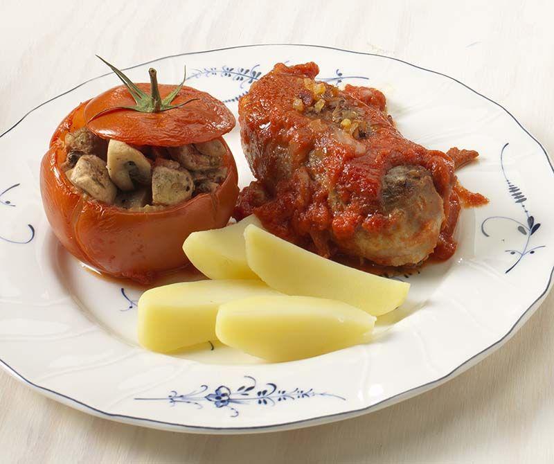 Blinde vinken met gevulde tomaten en laurette-aardappelen