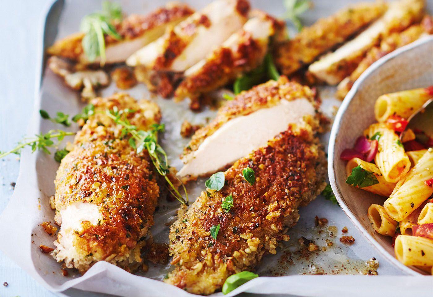Hühnernuggets mit Nudelsalat