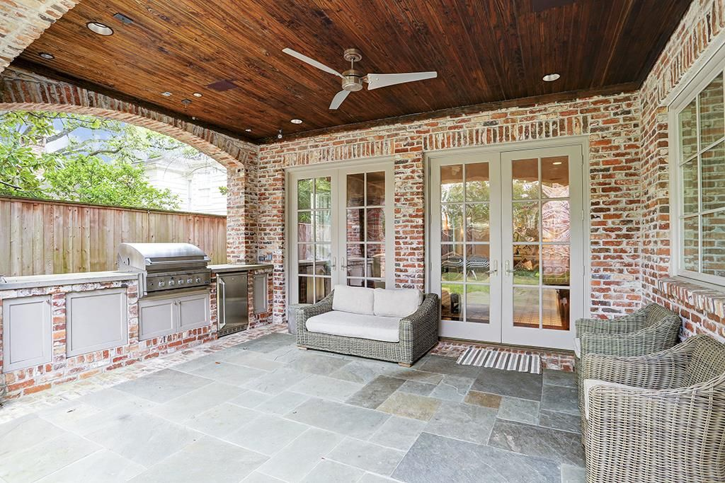 3706 Del Monte Dr Houston, TX 77019: Photo Loggia/summer ...
