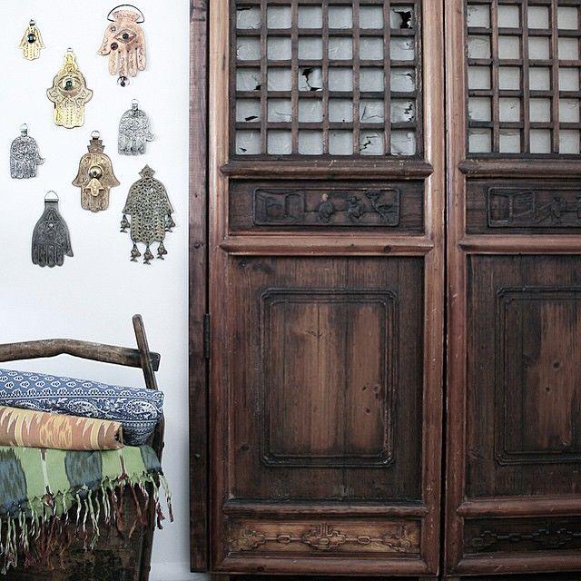 #closetdoors #hamsa #handoffatima - photo by apartmentf15