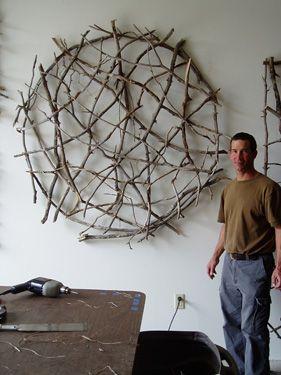 Paul Schick wood art Aan de buitenmuur ophangen als klimrek voor de clematis, lijkt me wel iets.