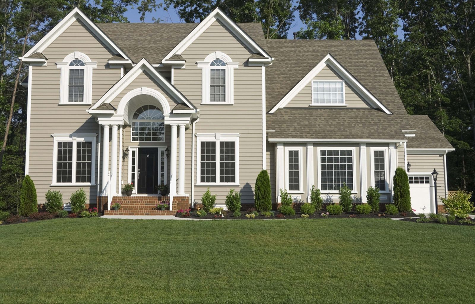 Best Exterior Paint Combinations: Best Stucco Color Combinations
