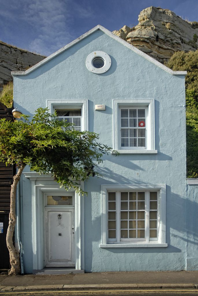 Uk hastings blue house in 2019 colors exterior - Painting a stucco house exterior ...