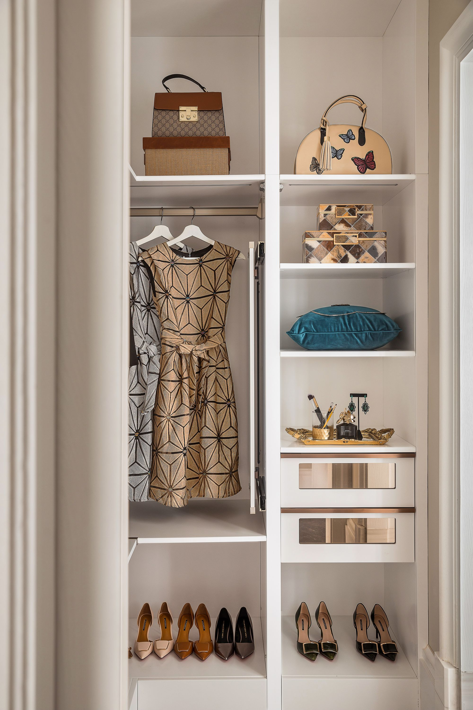 closet corner for wooden home xplrvr bedroom captivating wardrobe tested armoire