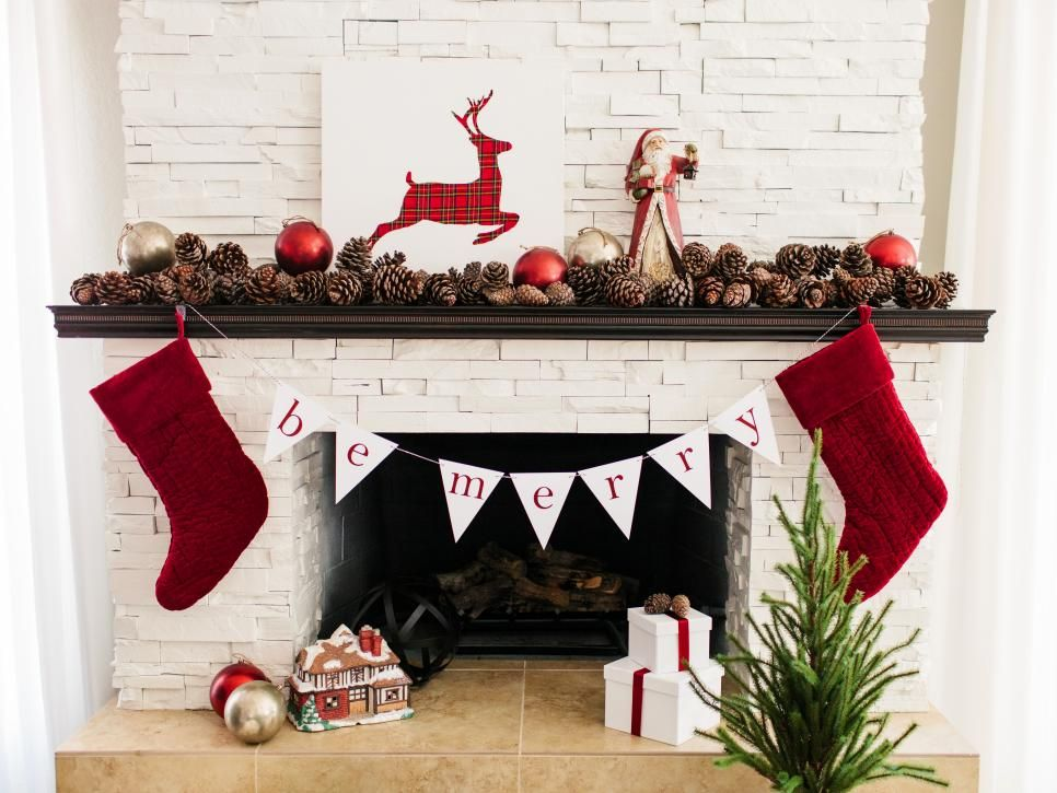 28 Christmas Mantel Decorating Ideas Mantels, Mittens and Chalkboards - christmas decorations for mantels