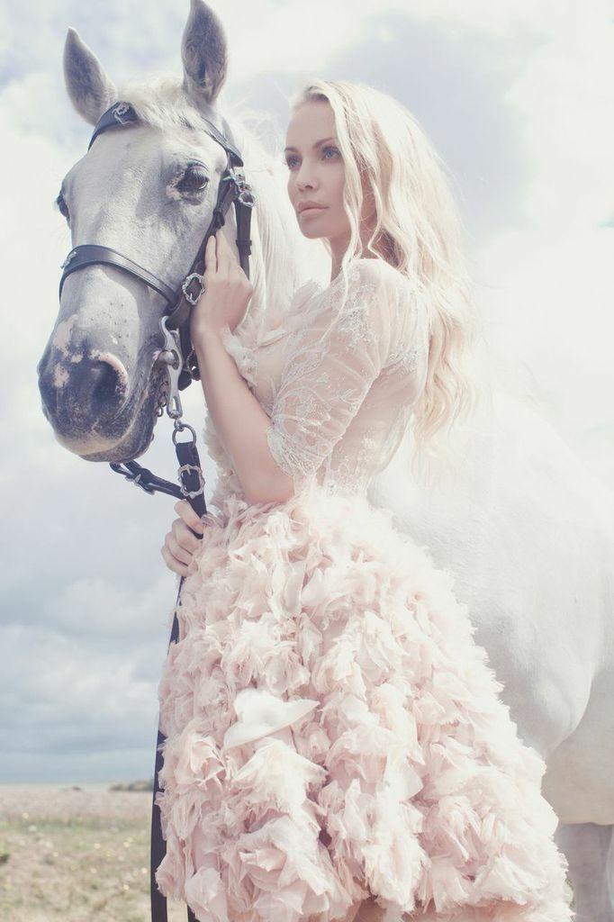 United Kingdom Story , dress from Kate'S Bride 2015 katesofficial@mail.ru  + 7 910 015‑18‑14 вся информация, запись на примерку
