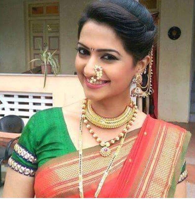 Hairstyle For Bride On Saree: Pin By Nauvari Saree On Nauvari Saree