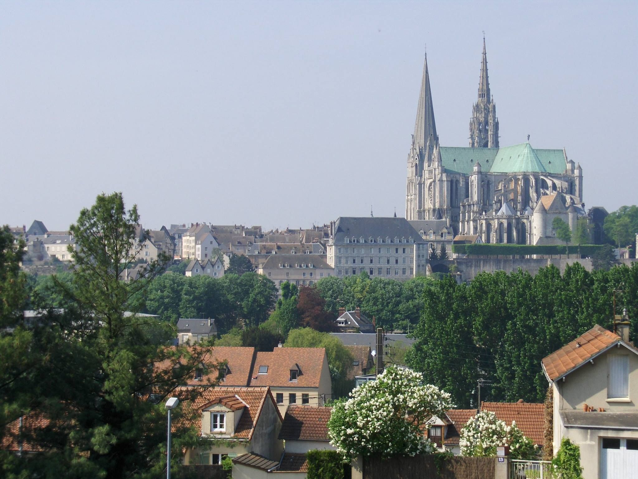 http://www.euroguides.eu/euroguides/france/centre/chartres.html
