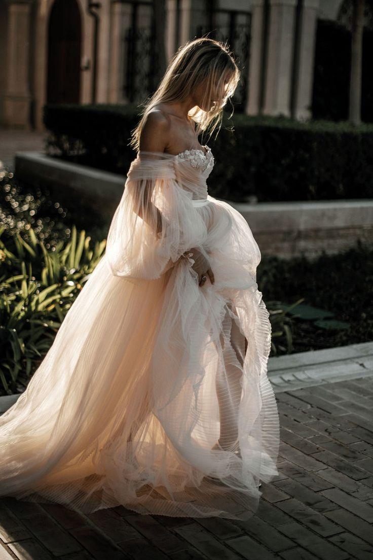 Los Angeles Flagship Trunk Show In 2020 Beach Wedding Gown Wedding Dress Sleeves Wedding Dress Long Sleeve