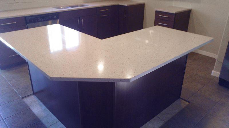 The Hooten Kitchen Countertops Hanstone Quartz In Chelan Project Manager Chuck Liss Jr Countertops Laminate Countertops Kitchen Countertops