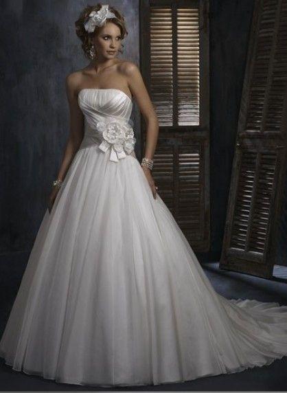 triumph   Hochzeit 564 by Lumara von   Pinterest   Brautkleider 041fea66c1