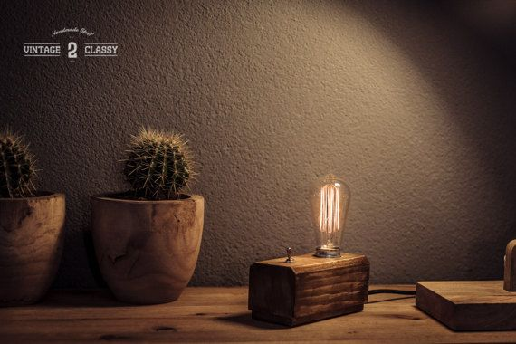 Hoi! Ik heb een geweldige listing op Etsy gevonden: https://www.etsy.com/nl/listing/509826931/wood-block-desk-lamp-rough-oak