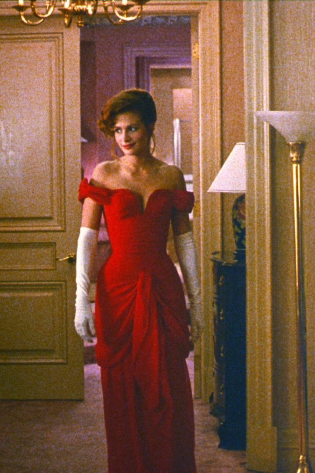 Google Pretty Woman Red Dress Iconic Dresses Pretty Women Dresses [ 1623 x 1080 Pixel ]