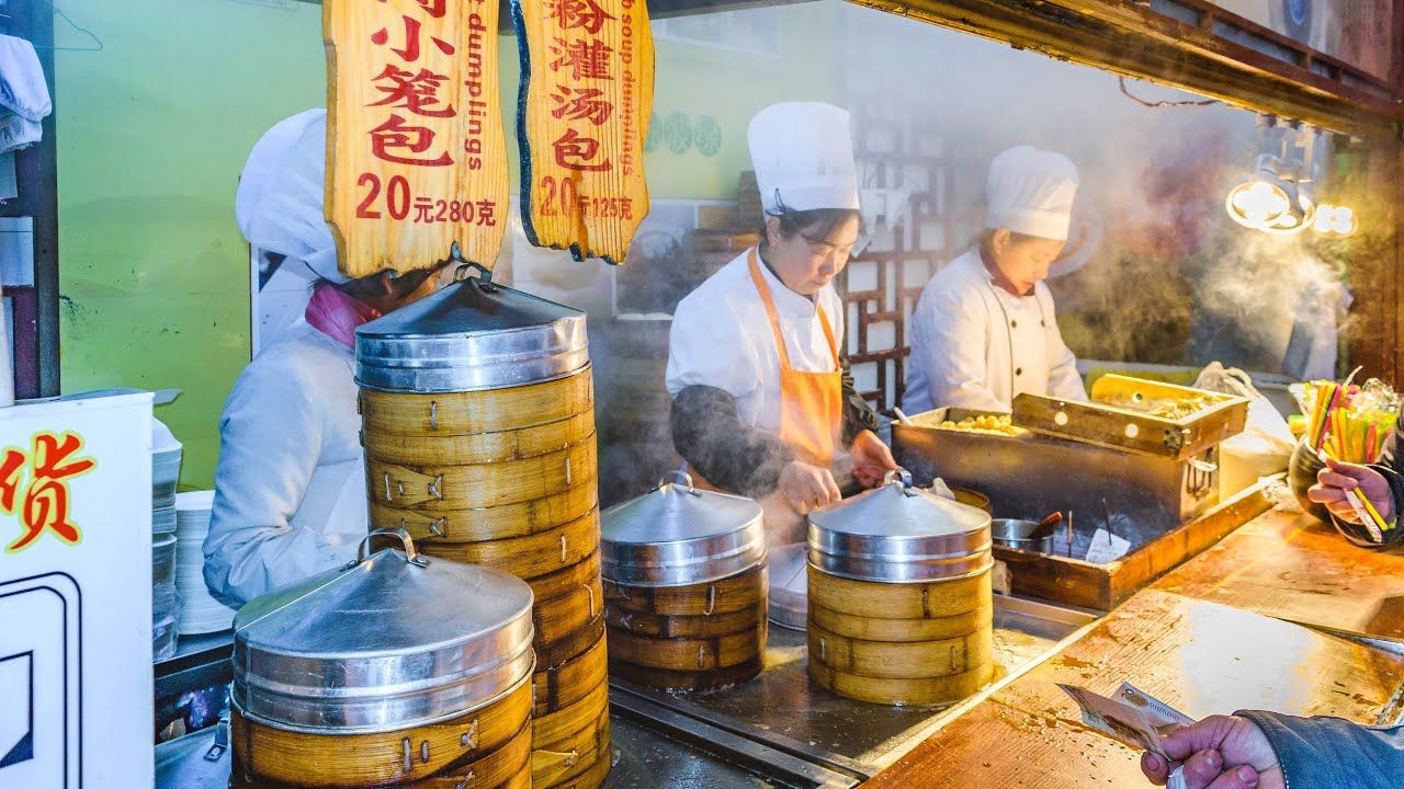 Traditional Chinese Street Food Tour Of Hong Kong Best Clay Pot Rice Youtube Chinese Street Food Traditional Chinese Food Food Tours