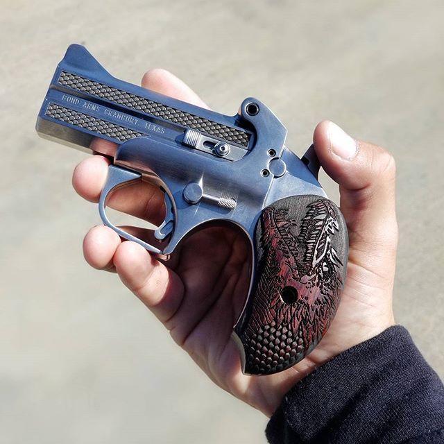 bond arms dragon slayer w pocket guns and dillingers