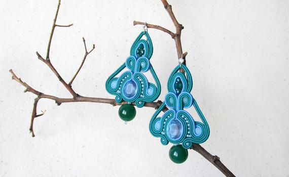 Kronleuchter Gypsy ~ Light blue earrings green bead earrings chandelier earrings soutache