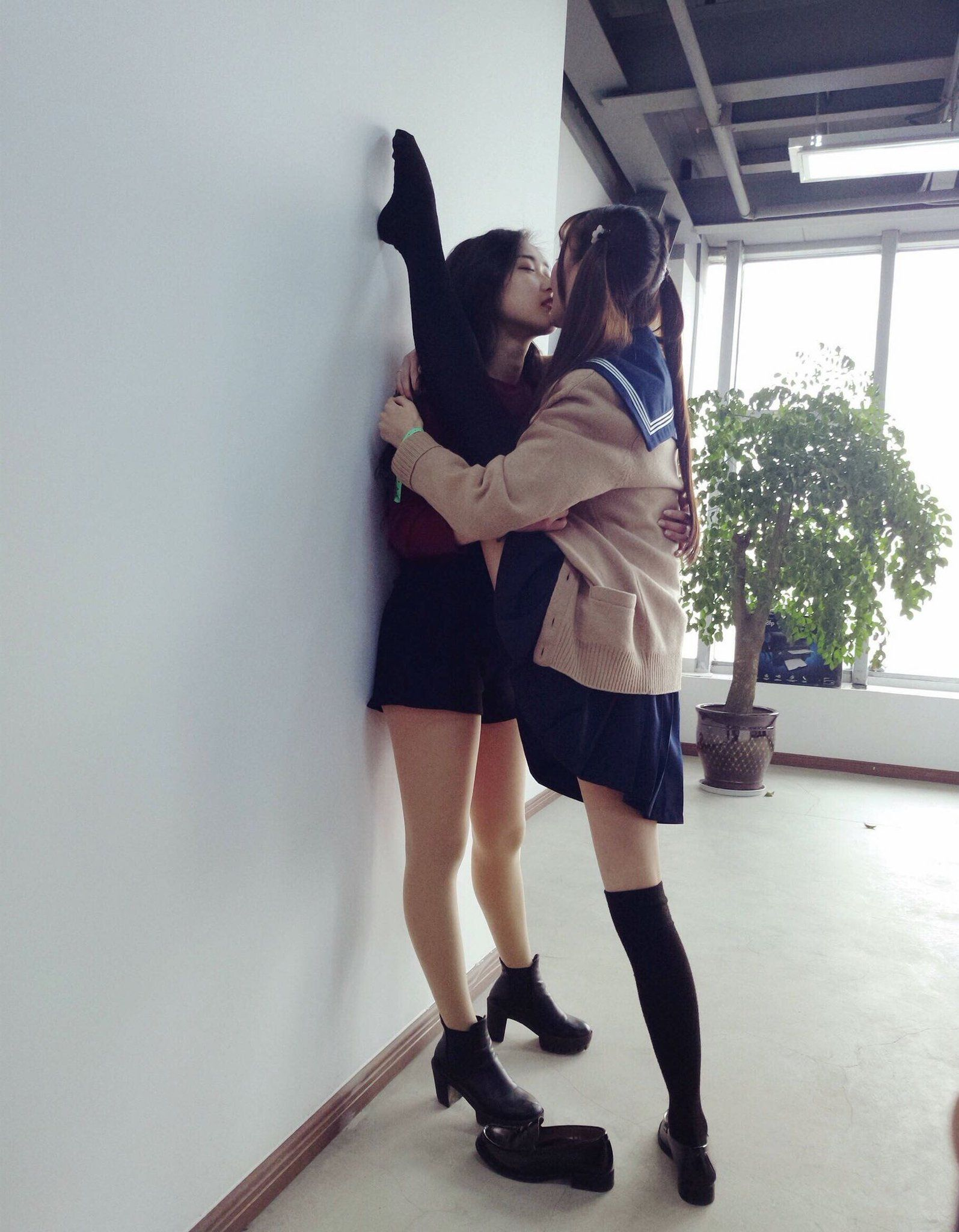 Dani Daniels Lesbian Kissing