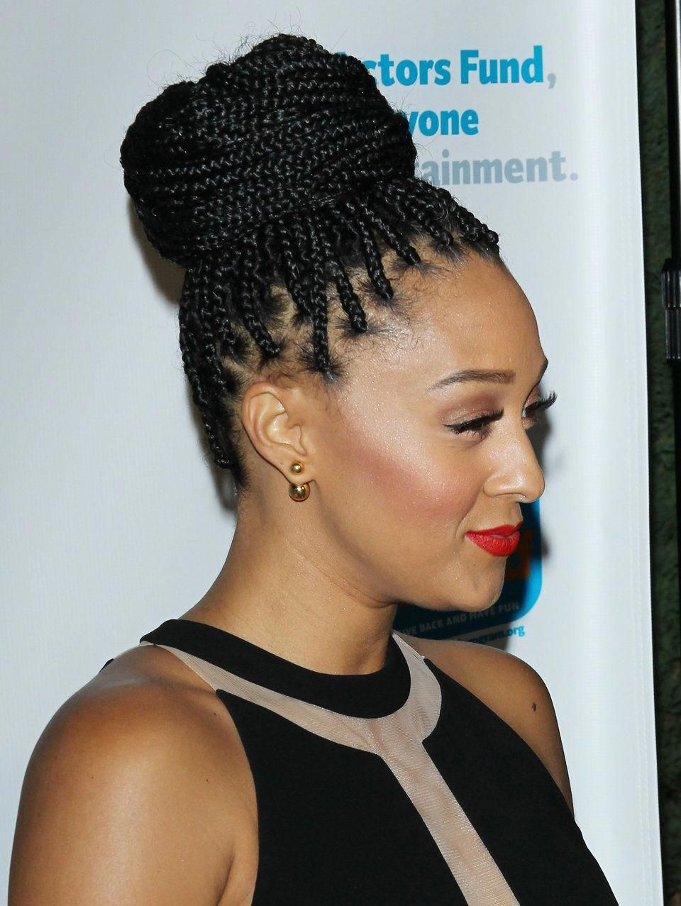 Elegant Braided Hairstyles Bridesmaids Braidedhairstyles Box Braids Hairstyles Box Braids Styling Box Braids Hairstyles For Black Women