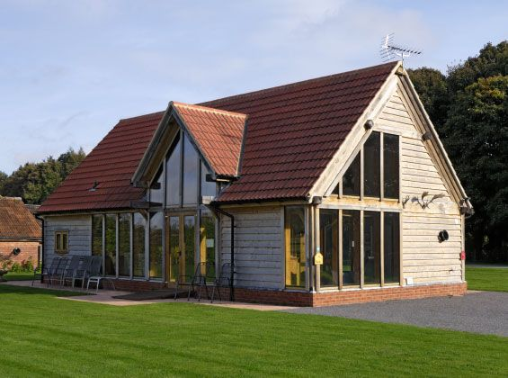 Traditional detached oak barn | ARHITEKTUUR | Pinterest | Barn ...