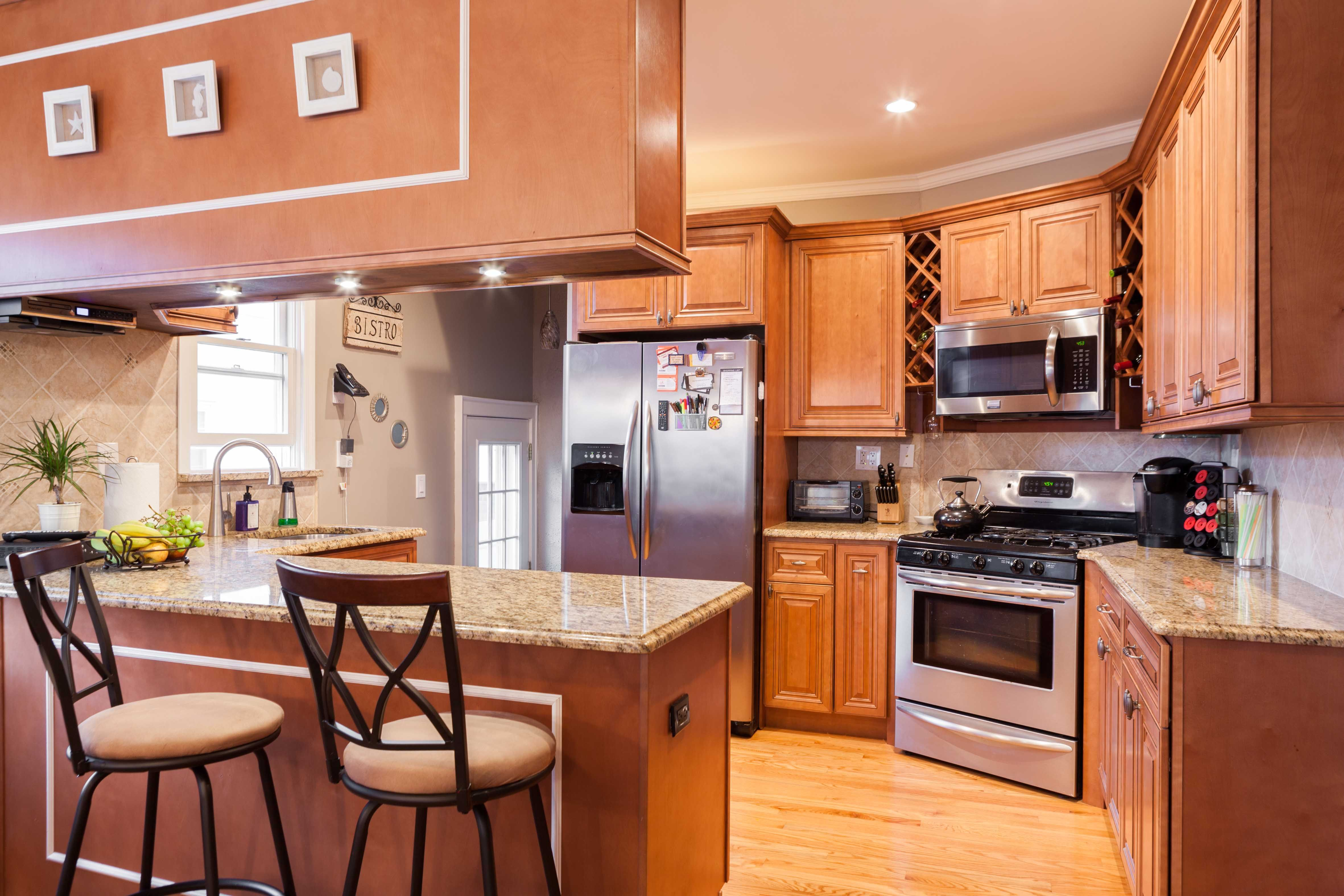 J K Traditional Maple Wood Cabinets In Cinnamon Glaze Style Co66 Kitchen Cabinet Colors Kitchen Design Kitchen Decor