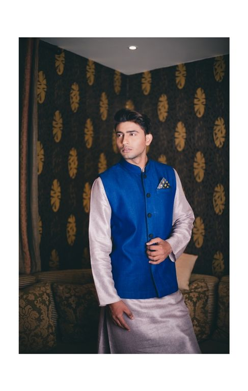 Engagement Party For your engagement, you can wear either ethnic or western. So, basically anything between a royal sherwani to a midnight blue tux.