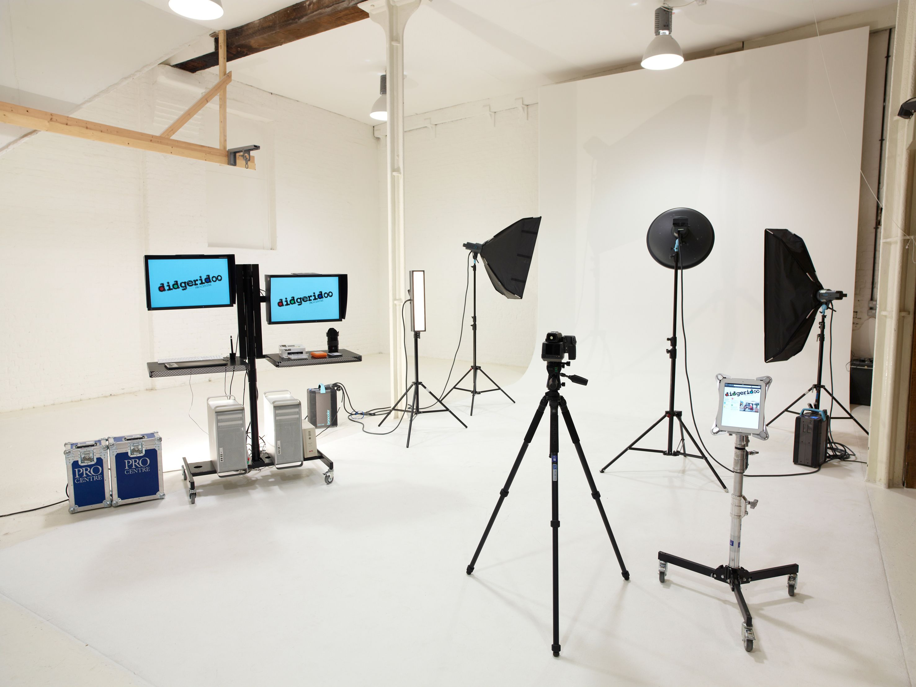 Photography Studio By Input Creative Studio Features A Playhouse