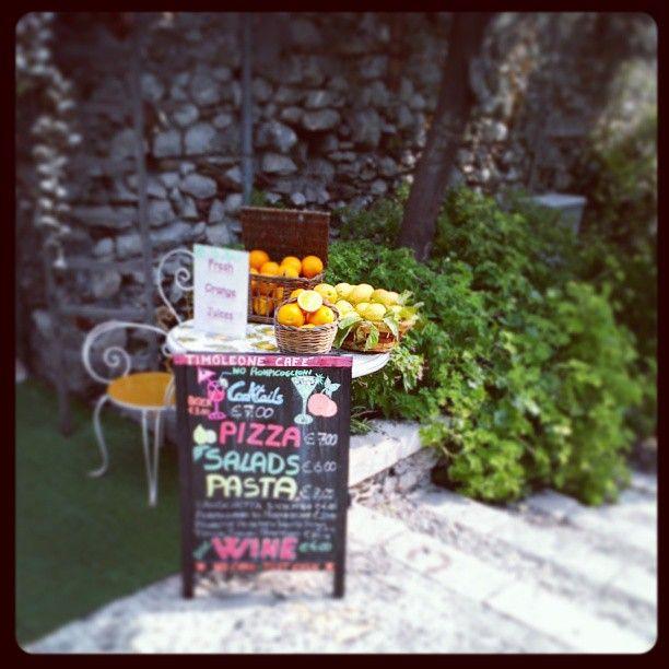 Uno scorcio caratteristico di Taormina! (foto di agosto 2013)
