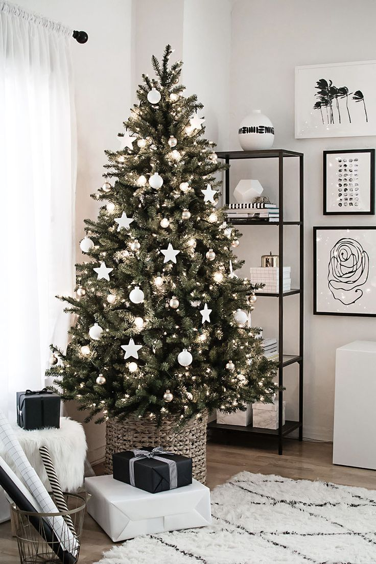 white christmas tree decorations and ornaments idea - Black And White Christmas Tree Decorations