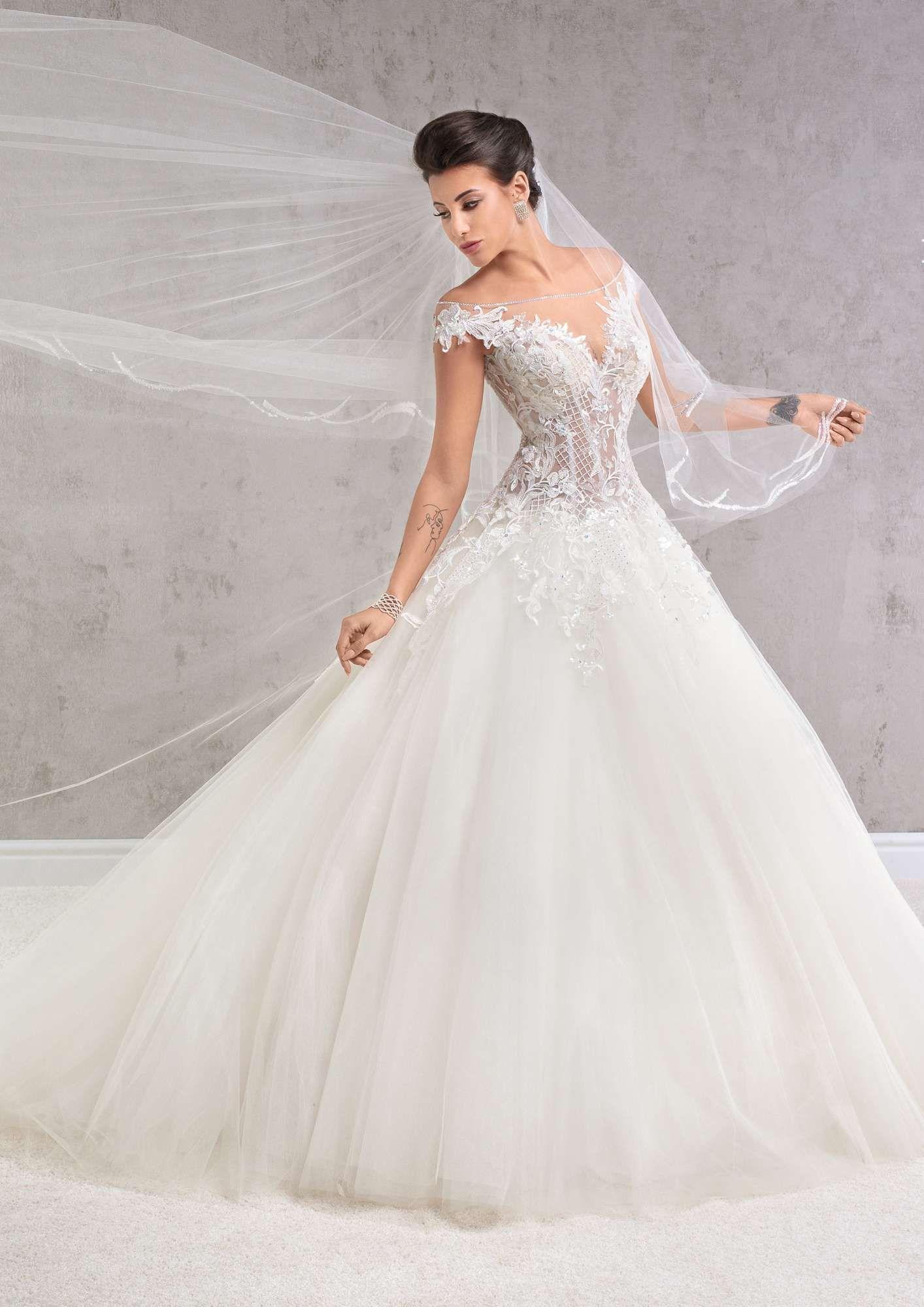 Agora 18-11, collectie 2018      WEDDING DRESS      Pinterest ...