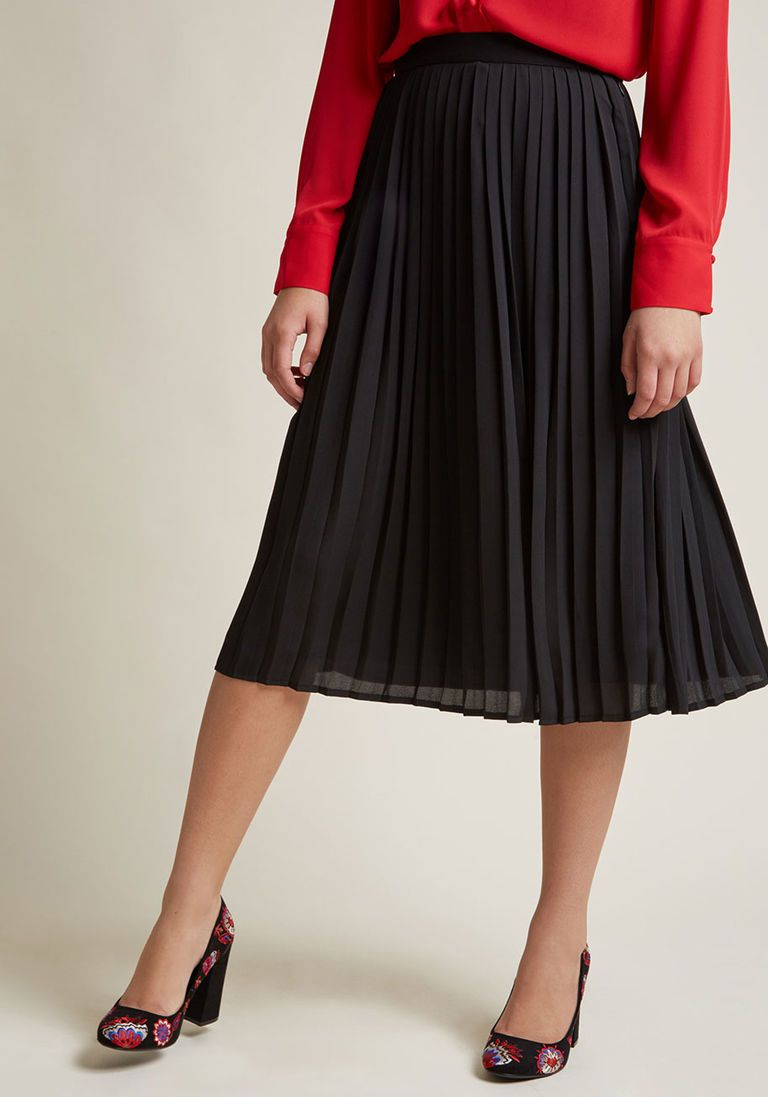 ec29a5eb6 1920s Skirts, Gatsby Skirts, Vintage Pleated Skirts Pleated Chiffon Midi  Skirt in Black in S - A-line Skirt by ModCloth $22.97 AT vintagedancer.com