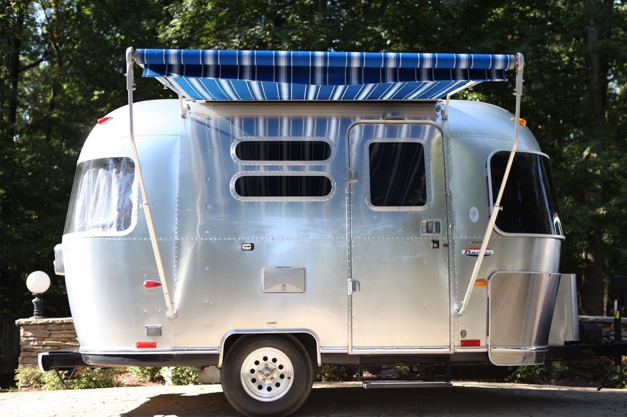 This is stunning little 16ft  Airstream Bambi Ocean Breeze